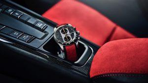 Porsche Design sărbătorește debutul unei mașini sport de înaltă performanță prin lansarea unui ceas în ediție specială, 911 GT2 RS