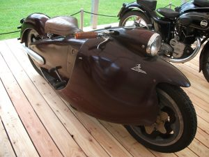 trofeul-bmw-group-moto-major-din-1948-care-apartine-muzeul-german-deutsches-zweirad-und-nsu