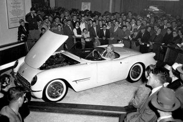 lansare-chevrolet-corvette-1953