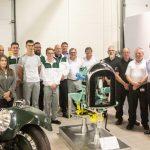 Restaurarea unui motor clasic Bentley de către studenți