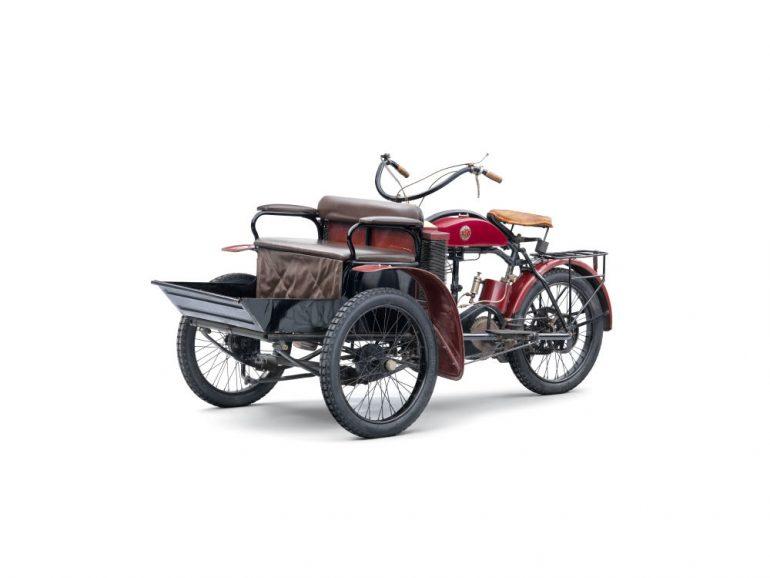 Triciclul LW produs de Laurin&Klement