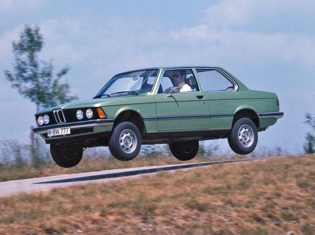Prima Serie 3 de la BMW a celebrat 45 de ani de la lansare