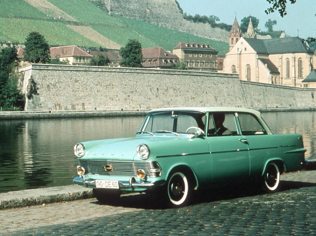 Opel aniversează 60 de ani cu modelul Rekord P2