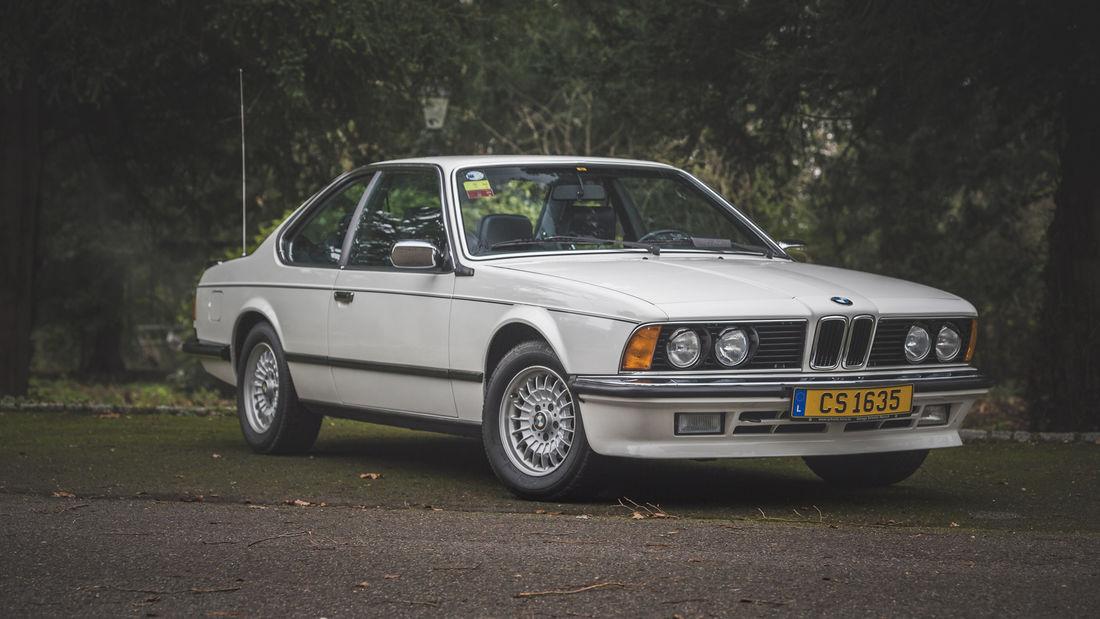 BMW 635 CSI ex-Sean Connery a fost scos la licitație