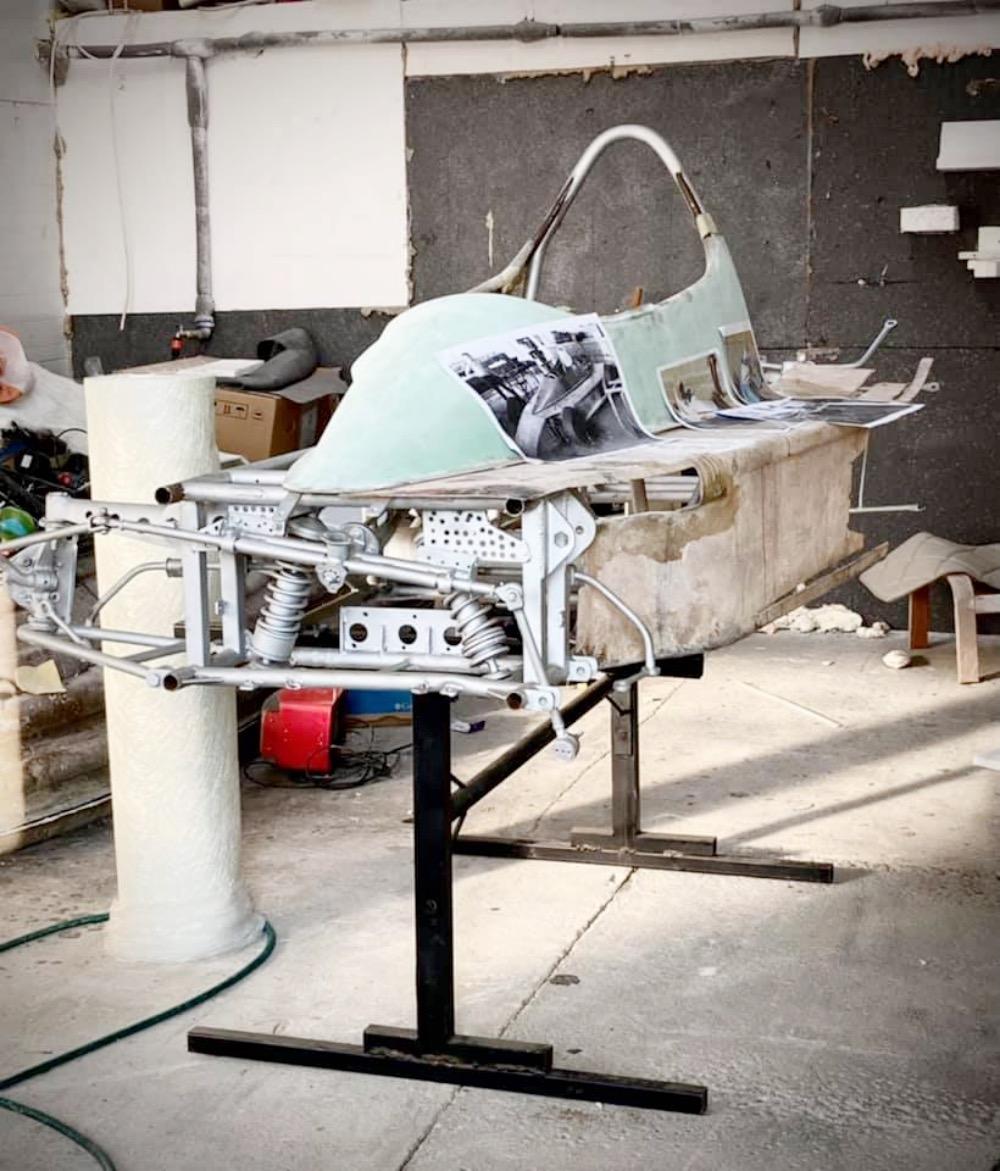 LGM 1 - Restaurarea unui Easter: reconstrucția carenajului din fibră